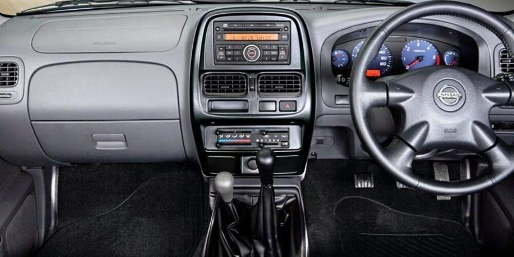 nissan-np300-your-modern-day-workhorse2019-04-071